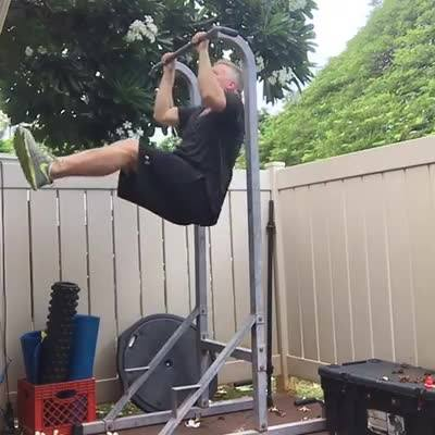 day-5-22-pull-up-challenge-moving-forward-should-not-feel-comfortable_thumbnail.jpg
